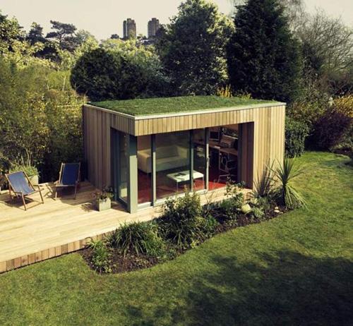 Abri de jardin avec toit végétalisé