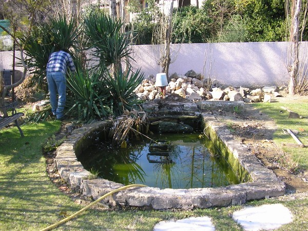 Chantier d 39 am nagement d 39 un bassin de jardin habitatpresto for Amenagement bassin de jardin