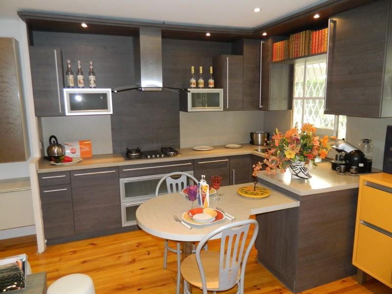 R novation de cuisine alpes maritimes 06 habitatpresto for Renovation de cuisine