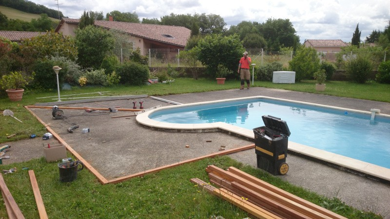 Plage de piscine en bois avril 2015 habitatpresto for Piscine bois tarn