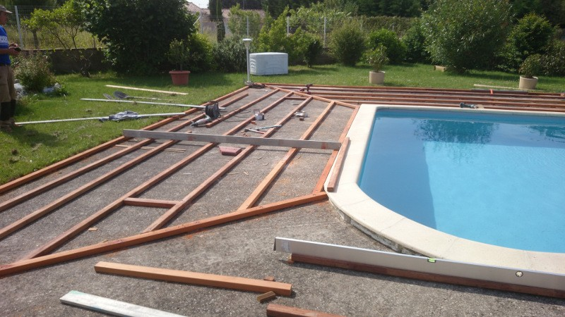 Plage de piscine en bois avril 2015 habitatpresto for Carrelage classe 4