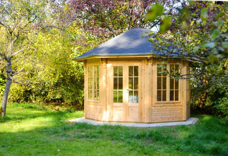 Quels mat riaux choisir pour un abri de jardin for Demande de travaux pour abri de jardin