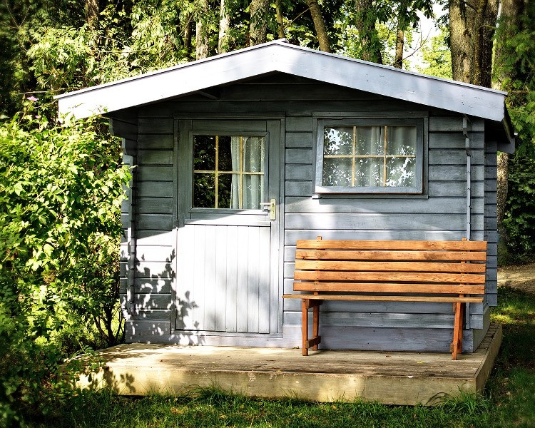 Quels matériaux choisir pour un abri de jardin ?   Habitatpresto