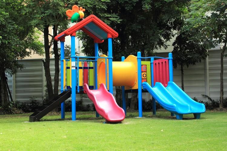 aire de jeux en bois pour particulier finest aire de jeux kendal with aire de jeux en bois pour. Black Bedroom Furniture Sets. Home Design Ideas