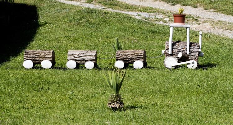 on traverse le chemin de fer de votre maison habitatpresto. Black Bedroom Furniture Sets. Home Design Ideas