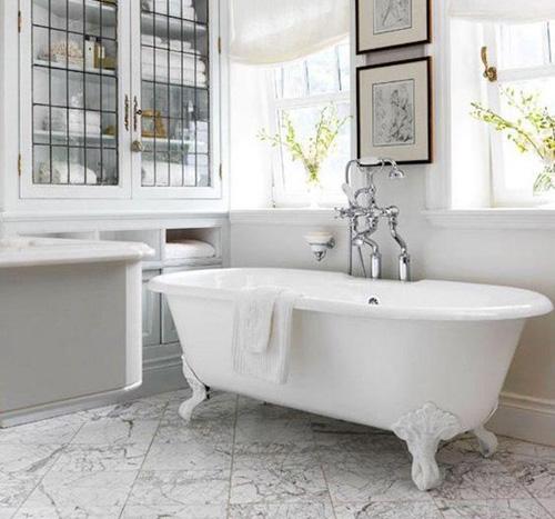 Salle de bains : les tendances baignoire, douche et robinet 2019