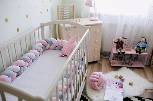 Tour de lit torsadé bébé