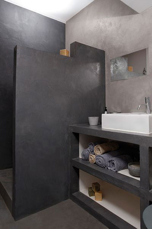 enduit mural salle de bain Enduit béton ciré anthracite murs, sol et douche