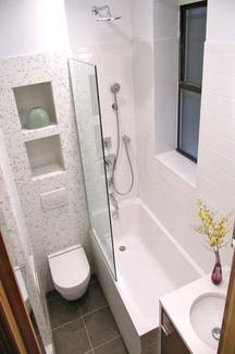 Petite salle de bain 4 astuces pour bien optimiser l 39 espace habitatpresto for Amenagement salle de bain petit espace