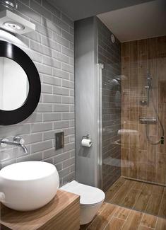 astuces pour am nager une petite salle de bain. Black Bedroom Furniture Sets. Home Design Ideas