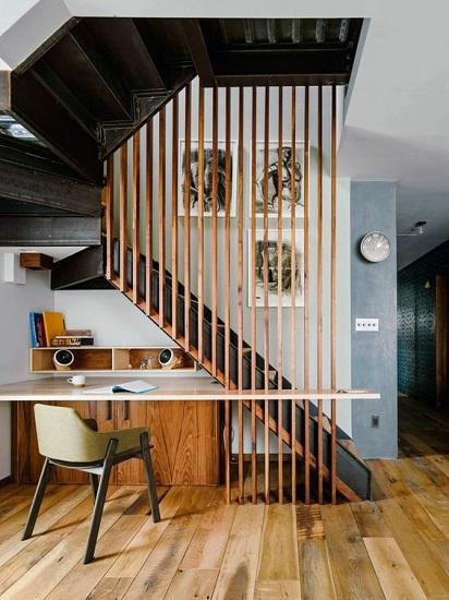 Bureau sous escalier 5