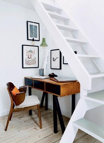 Bureau sous escalier 6