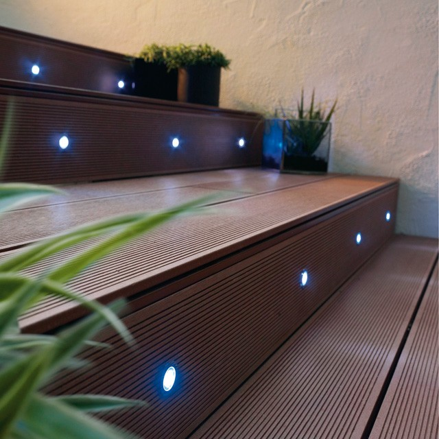 spot terrasse bois led. Black Bedroom Furniture Sets. Home Design Ideas