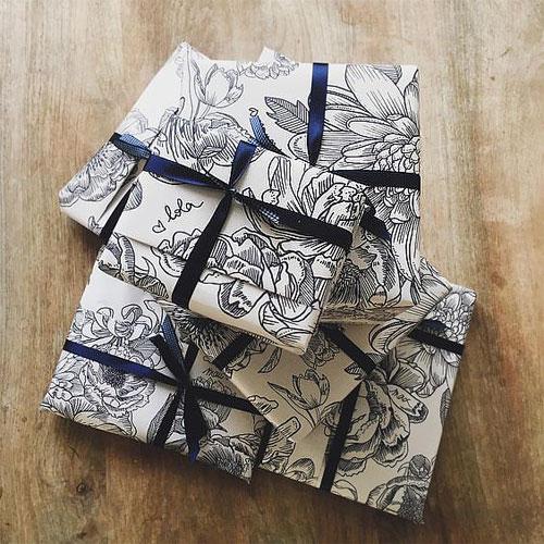Deco chute papier peint - papier cadeau
