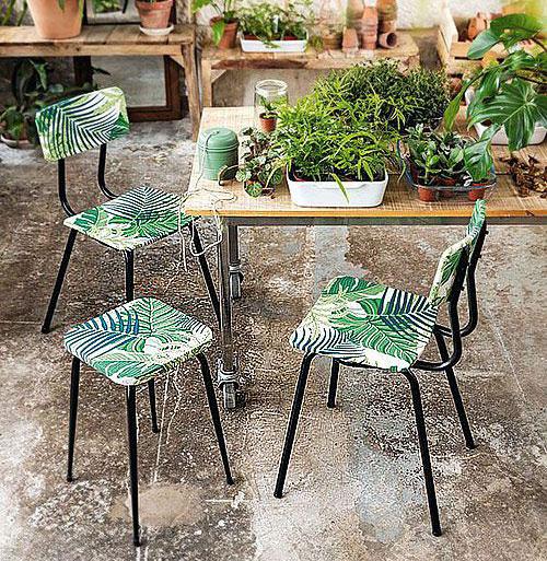 Deco chute papier peint - chaises