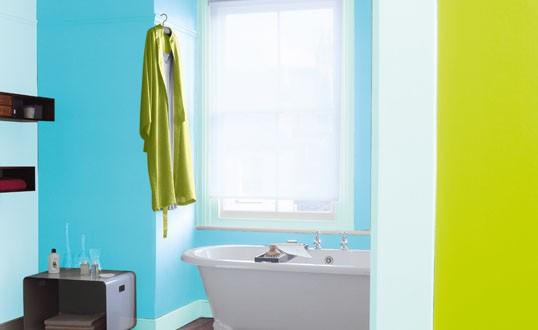 Id es de salles de bain bleues habitatpresto - Salle de bain bleu et jaune ...