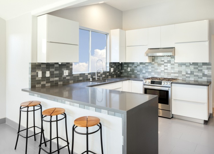 cuisine en kit ou sur mesure comment choisir habitatpresto. Black Bedroom Furniture Sets. Home Design Ideas