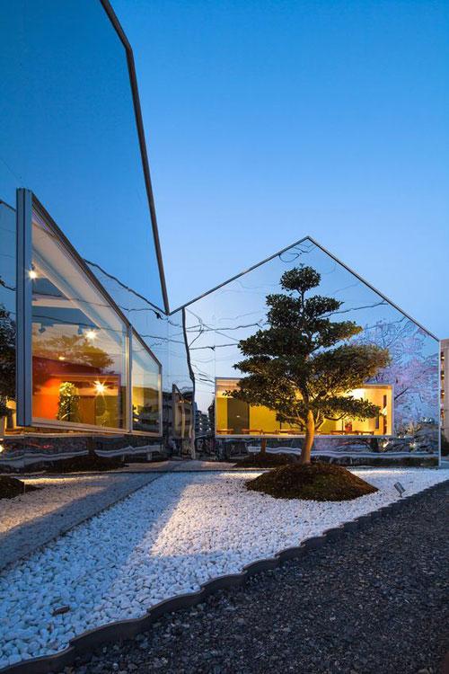 facade_maison_mirroir3