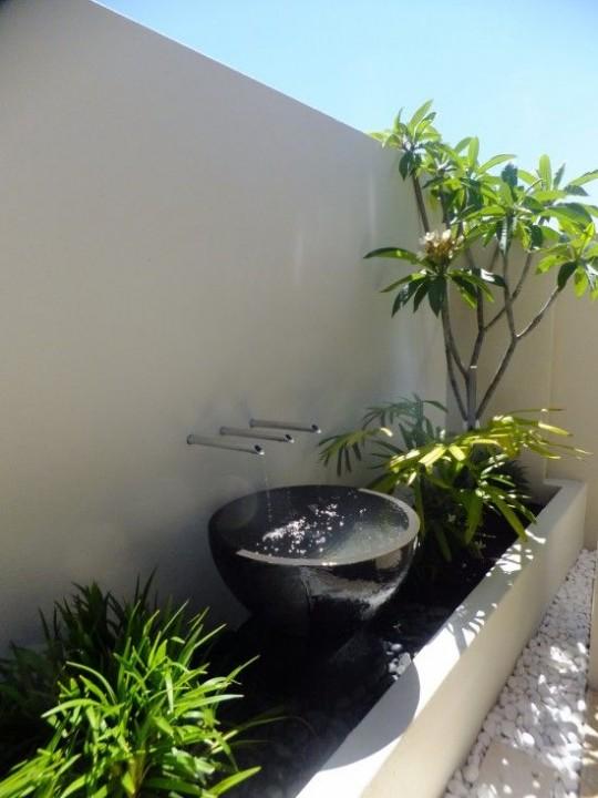 Choisir une fontaine de jardin conseils et prix habitatpresto - Water features for small spaces plan ...