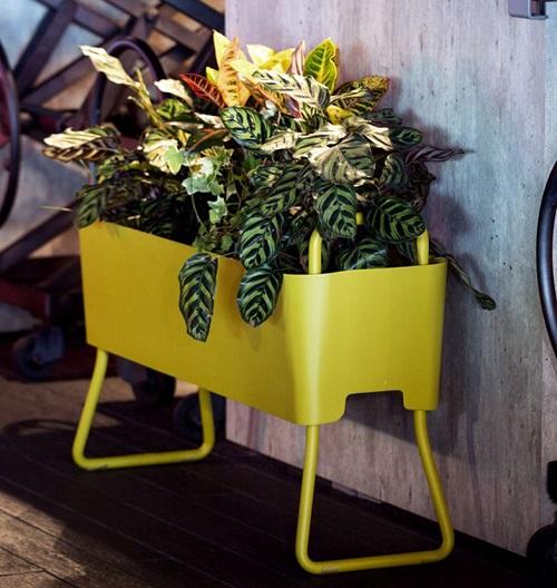 Jardinière design métal jaune