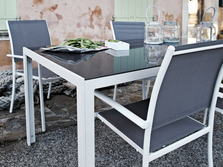Petite table de jardin leroy merlin for Table extensible leroy merlin