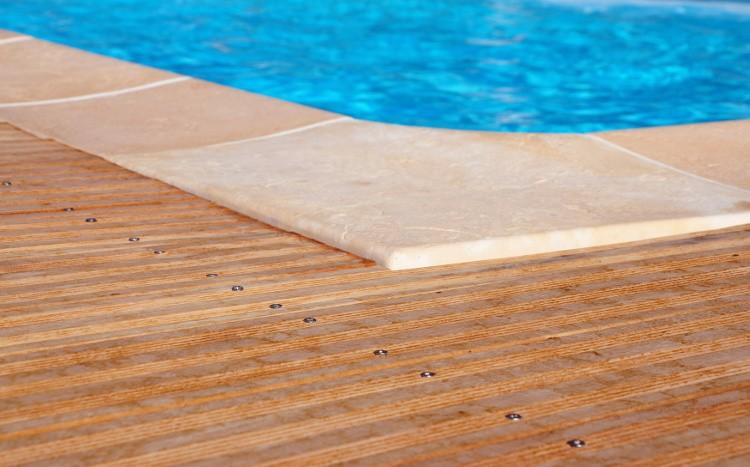 margelle de piscine tout savoir pour bien choisir habitatpresto. Black Bedroom Furniture Sets. Home Design Ideas