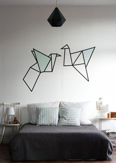 Inspiration d co murale masking tape habitatpresto for Miroir au dessus du lit