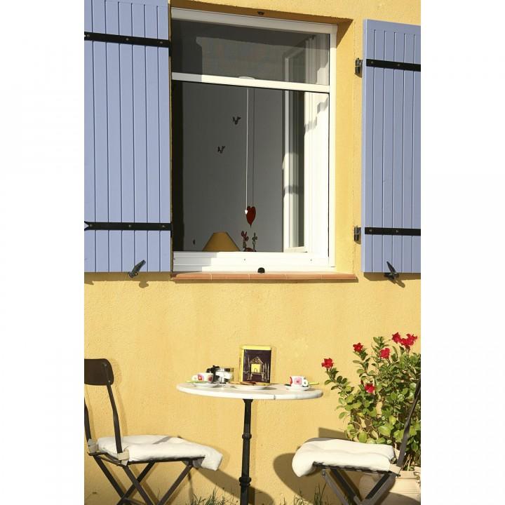 Choisissez votre moustiquaire nos conseils habitatpresto Moustiquaire pour porte fenetre