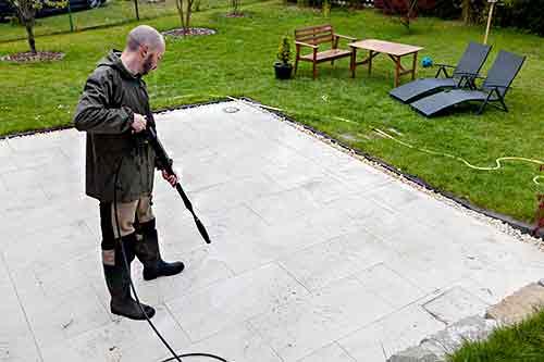Comment Nettoyer Le Carrelage D Une Terrasse Nos 4 Solutions