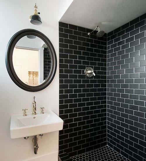Peinture noire carrelage salle de bains
