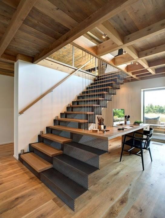 Cr er un coin bureau sous l 39 escalier habitatpresto - Escalier contremarche peinte ...