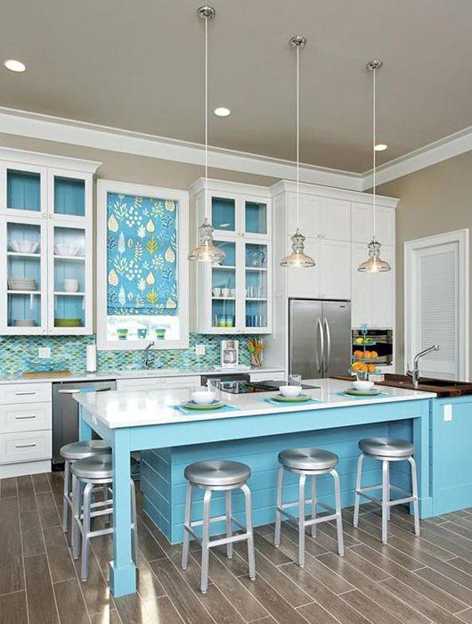 Chaise De Cuisine Leon : Choisir une cuisine couleur bleue  Habitatpresto