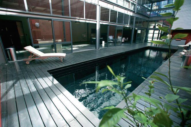 Tendances piscines 2019 7 bassins r v s pour le grand plongeon - Liner noir pour piscine ...