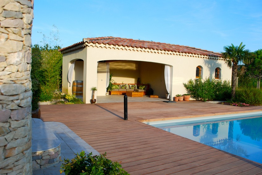 Pool house de piscine prix infos pour bien le for Construction pool house piscine