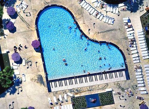 piscine_insolite_musique