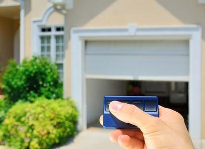 motorisation de portail et de porte de garage la vie est plus facile habitatpresto. Black Bedroom Furniture Sets. Home Design Ideas