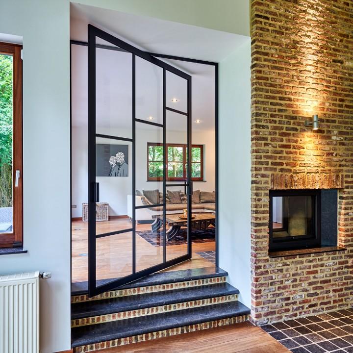 Les Portes Pivotantes Intérieures Quelle Classe Habitatpresto - Porte vitrée sur pivot