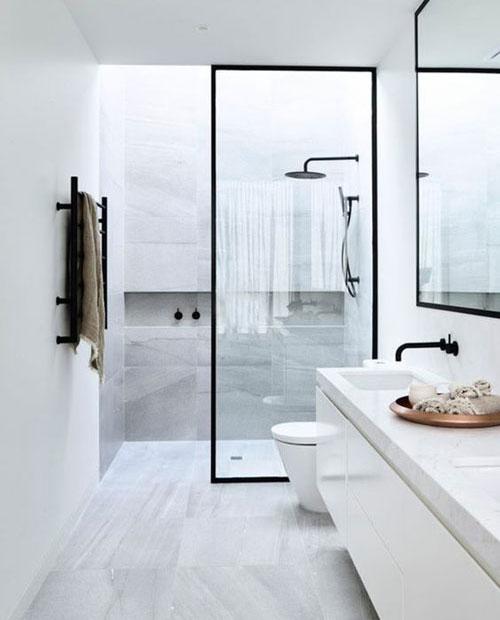 Salle de bains en longueur