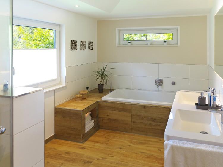 baignoire et plancher en bois l 39 union sacr habitatpresto. Black Bedroom Furniture Sets. Home Design Ideas