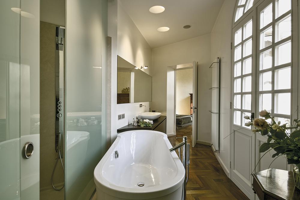Salle de bain porte coulissante cool porte coulissante chambre salle de bain porte coulissante - Porte interieur salle de bain ...