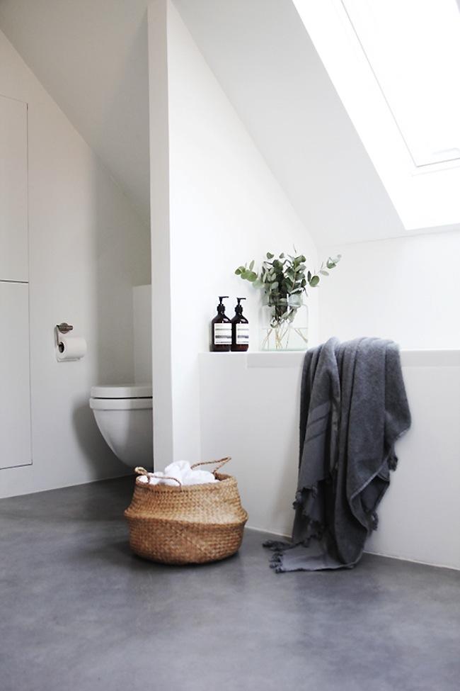 comment r nover sa salle de bain sans casser le carrelage. Black Bedroom Furniture Sets. Home Design Ideas