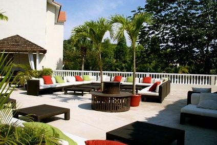 terrasse en b ton d coratif l alternative aux autres rev tements habitatpresto. Black Bedroom Furniture Sets. Home Design Ideas