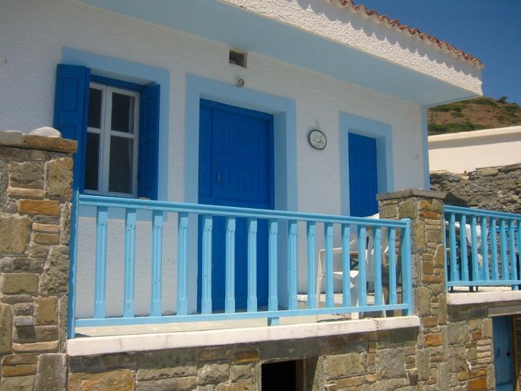 terrasse bleu fotolia