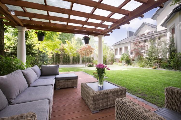 terrasse en bois prix et caract ristiques pour bien. Black Bedroom Furniture Sets. Home Design Ideas
