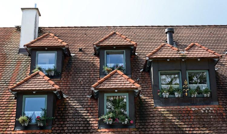 Que faire pour garder une toiture en bon tat for Type de lucarne de toit