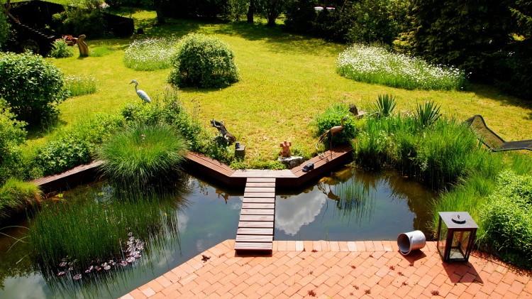 Cr ez une zone humide dans votre jardin habitatpresto - Faire une mare dans son jardin ...
