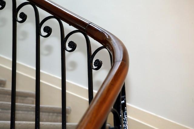 prix monte escalier rampes d 39 acc s habitatpresto. Black Bedroom Furniture Sets. Home Design Ideas