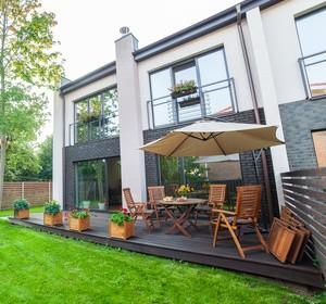 Terrasse sur plots prix et pose habitatpresto - Mobilier de terrasse ...