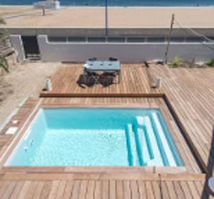 piscine bois qui descend