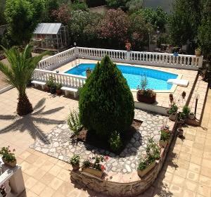 Piscine quel tarif pour un couloir de nage habitatpresto for Prix piscine maconnee